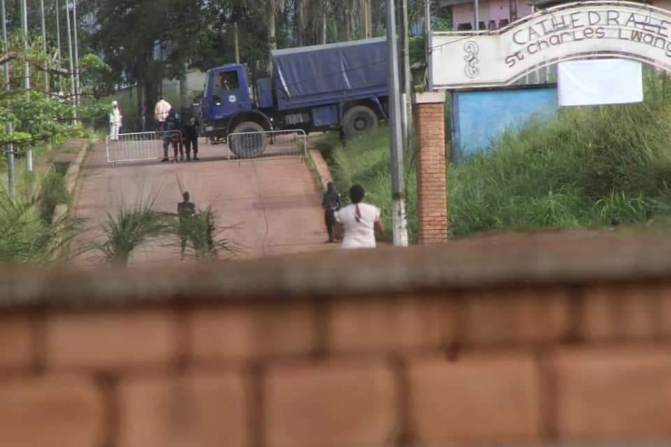 Au Gabon, les églises encerclées par la police pour empêcher la célébration des messes